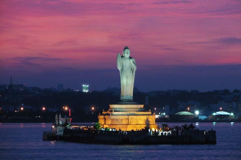 贵州玻璃钢佛像雕塑厂家