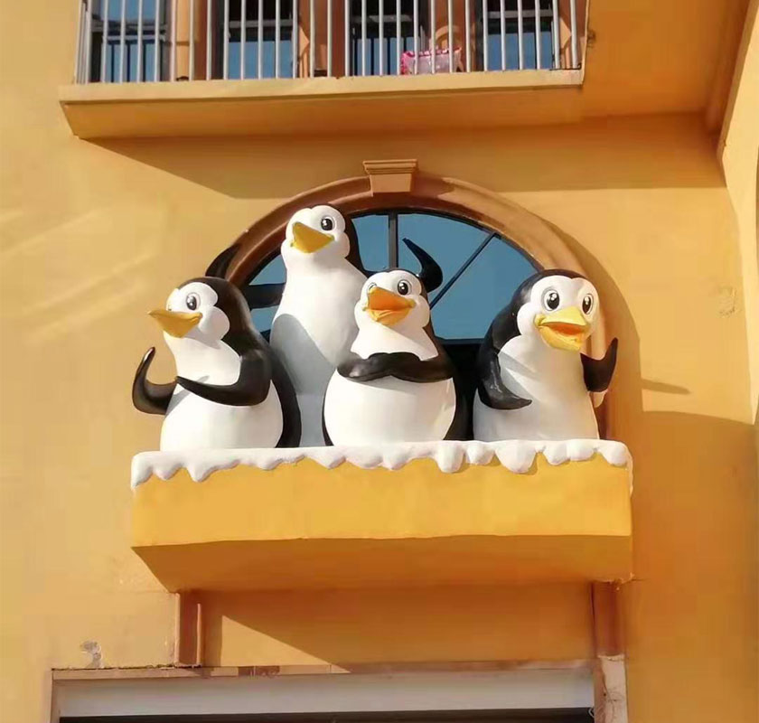 yabo亚博体育苹果玻璃钢企鹅卡通庭院装饰亚博体育官网app下载